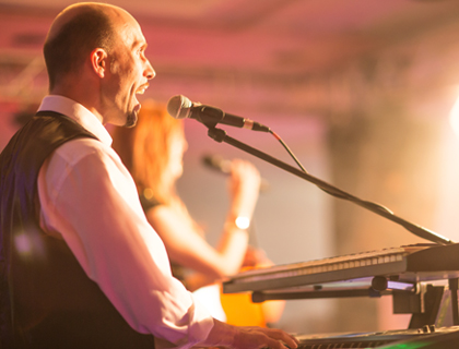 Markus Bohr ist Keyboarder der Hochzeitsband PARTYBLUES